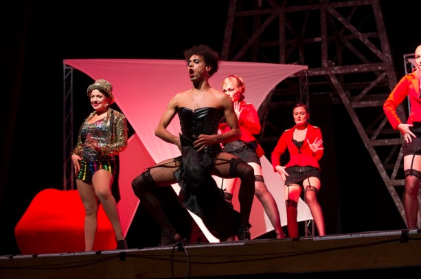 Dr Frank N Furter (Fernando Mariano) strutting his stuff!